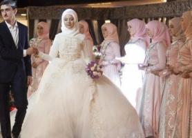 یک عروسی چقدر آب می خورد؟
