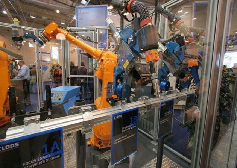 کنترل روبات های صنعتی با تلفن همراه