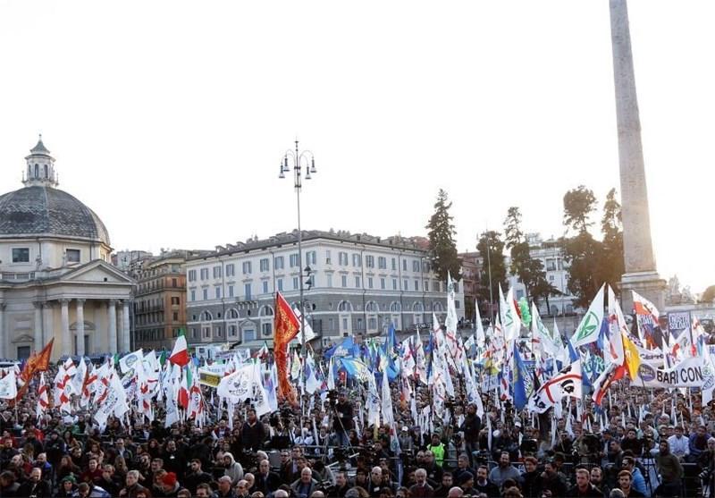معترضان ایتالیایی خواهان استعفای دولت شدند