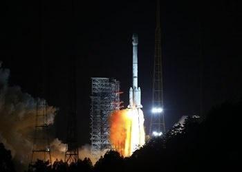 پرتاب موفقیت آمیز 2 ماهواره با یک موشک در چین