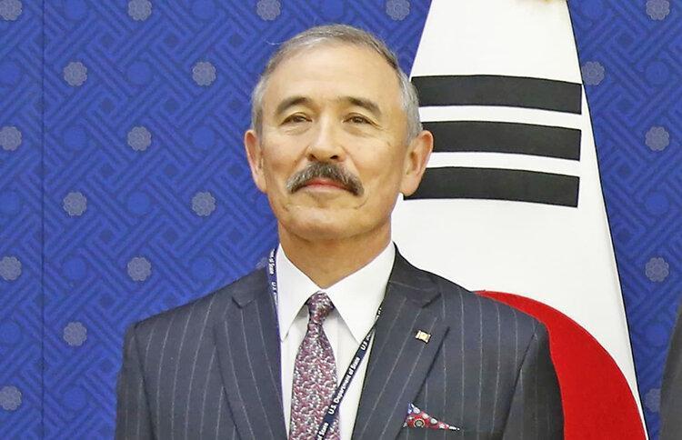 سبیل دردسرساز آقای سفیر ، یادآور دوران استعمار ژاپن