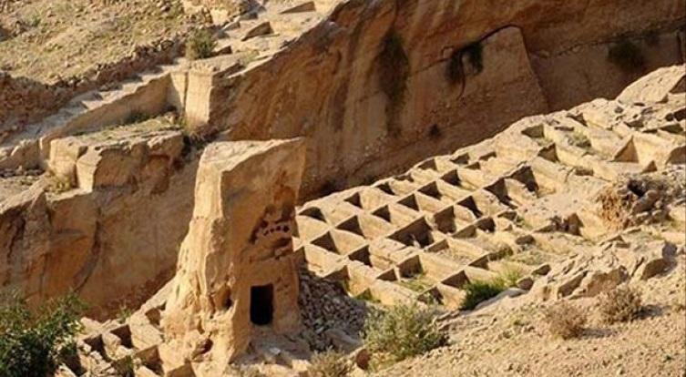 نقشه برداری آثار تاریخی بندر سیراف