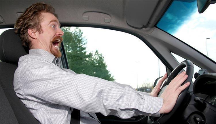 9 راه حل موثر برای غلبه بر ترس حین رانندگی