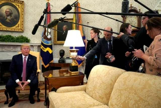 خبرنگاران انتقاد انجمن خبرنگاران خارجی از محدودیت های جدید آمریکا