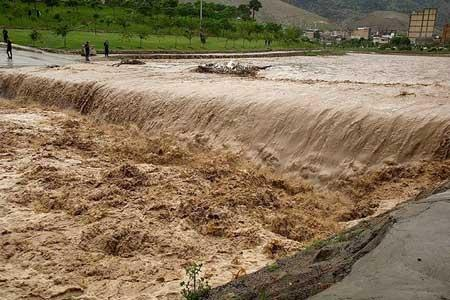 توضیح وزیر نیرو در مورد مقابله با سیلاب های احتمالی