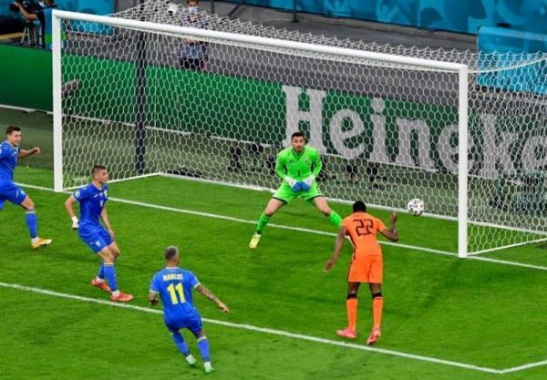 یورو 2020، نبرد مجذوب کننده هلند و اوکراین در انتها نیمه نخست برنده نداشت