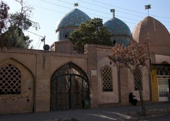 شروع بازسازی موضعی کاشی کاری گنبد مشتاقیه کرمان