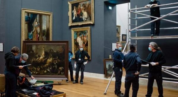 ناپلئون موزه لوور را با دزدی پر کرد!
